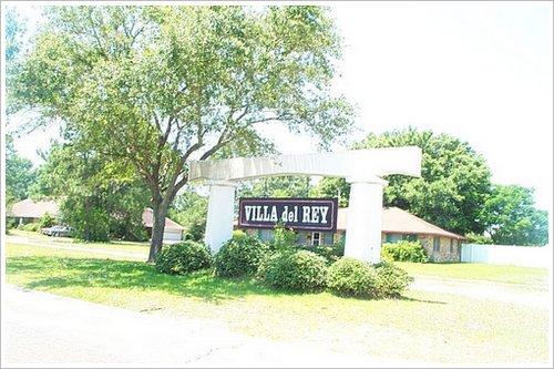 Villa Del Rey Subdivision Baton Rouge